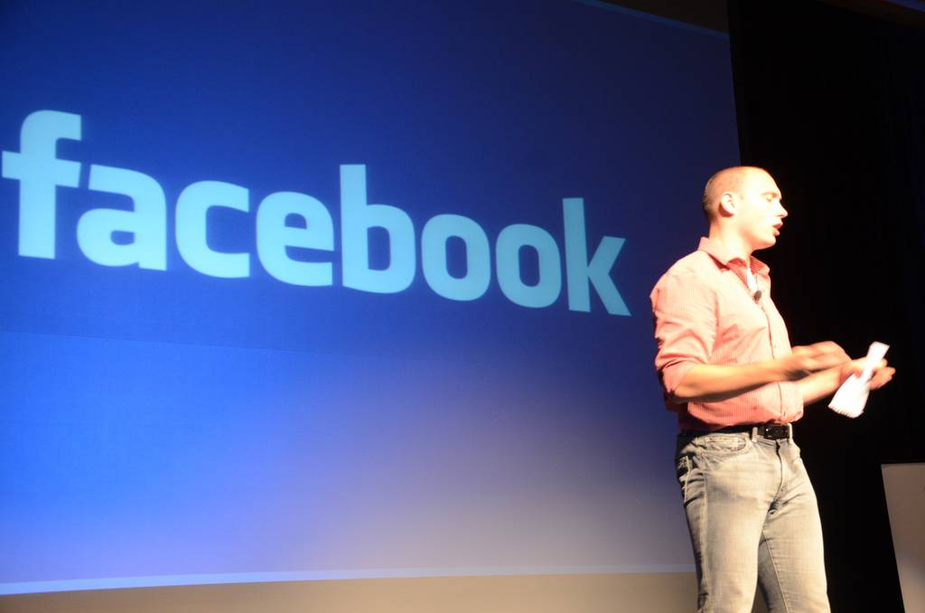 Cómo conectarse con Facebook a WordPress - Charla sobre Facebook